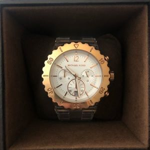 🧡SALE 2/$130 🧡Rose Gold&Clear Michael Kors Watch